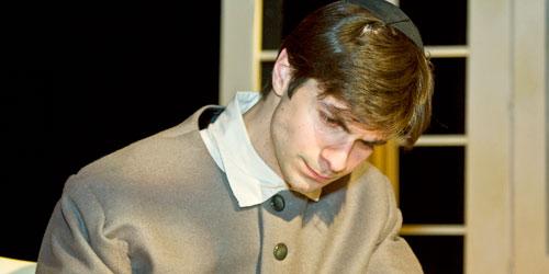 Mitchell Koory als Baruch de Spinoza