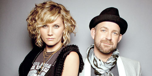 EXCLUSIVE: Jennifer Nettles Gives the Gays Some Sugar(land)